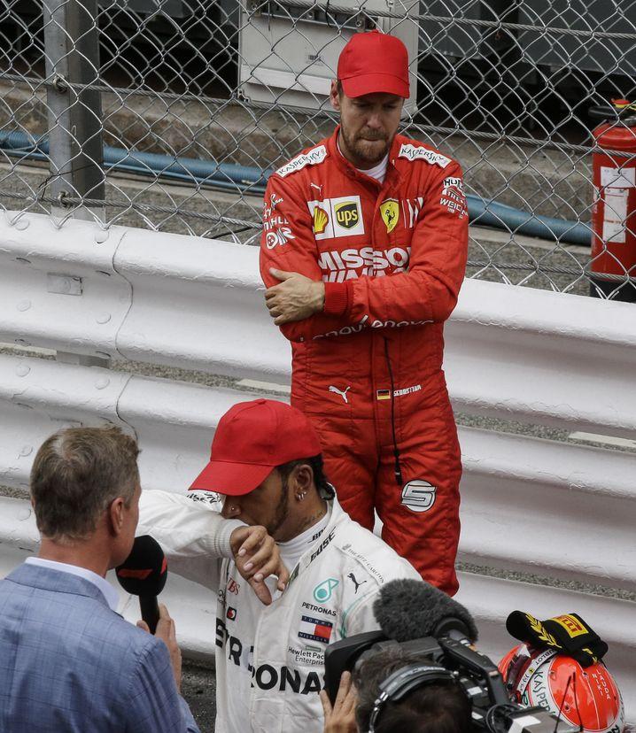 Sebastian Vettel musste sich auch bei den Interviews hintenanstellen.