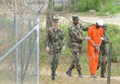 Häftlinge auf Guantanamo-Bay: Wenigstens das Rote Kreuz darf sie sehen