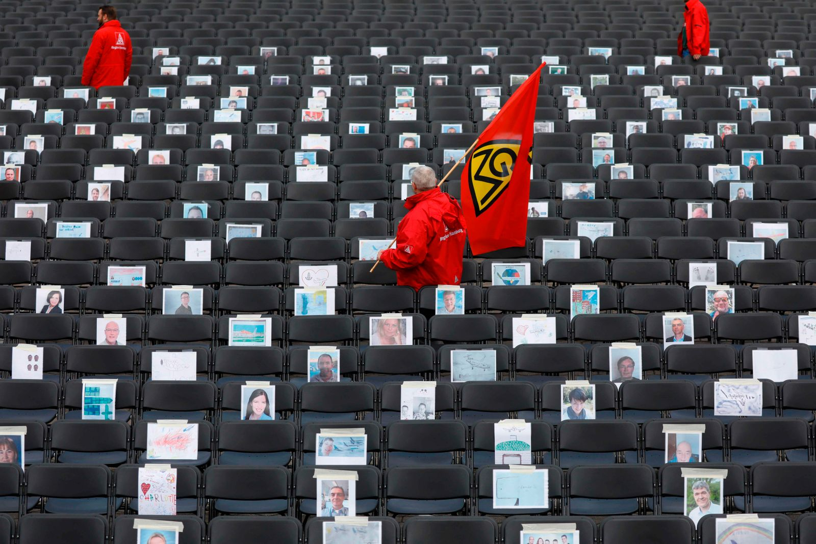 TOPSHOT-GERMANY-LABOUR-UNIONS-DEMO