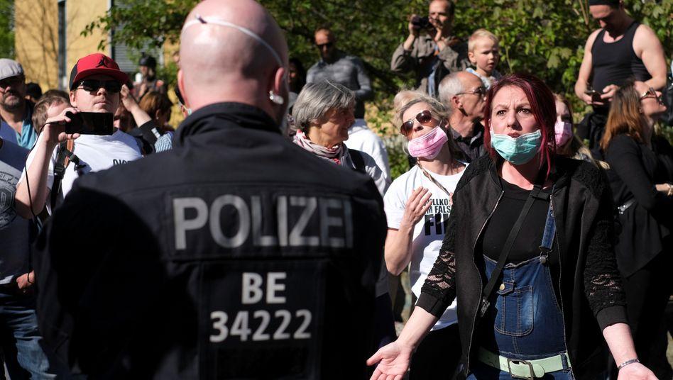 In Berlin und anderen Städten gingen Demonstrierende gegen die Einschränkungen in der Coronakrise auf die Straßen