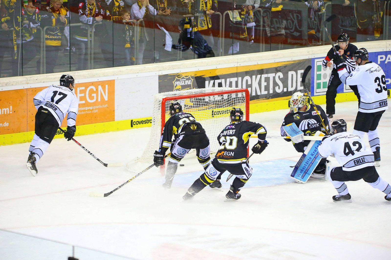 EINMALIGE VERWENDUNG Eishockey/ Krefeld Pinguins/ Nuernberg Ice Tigers