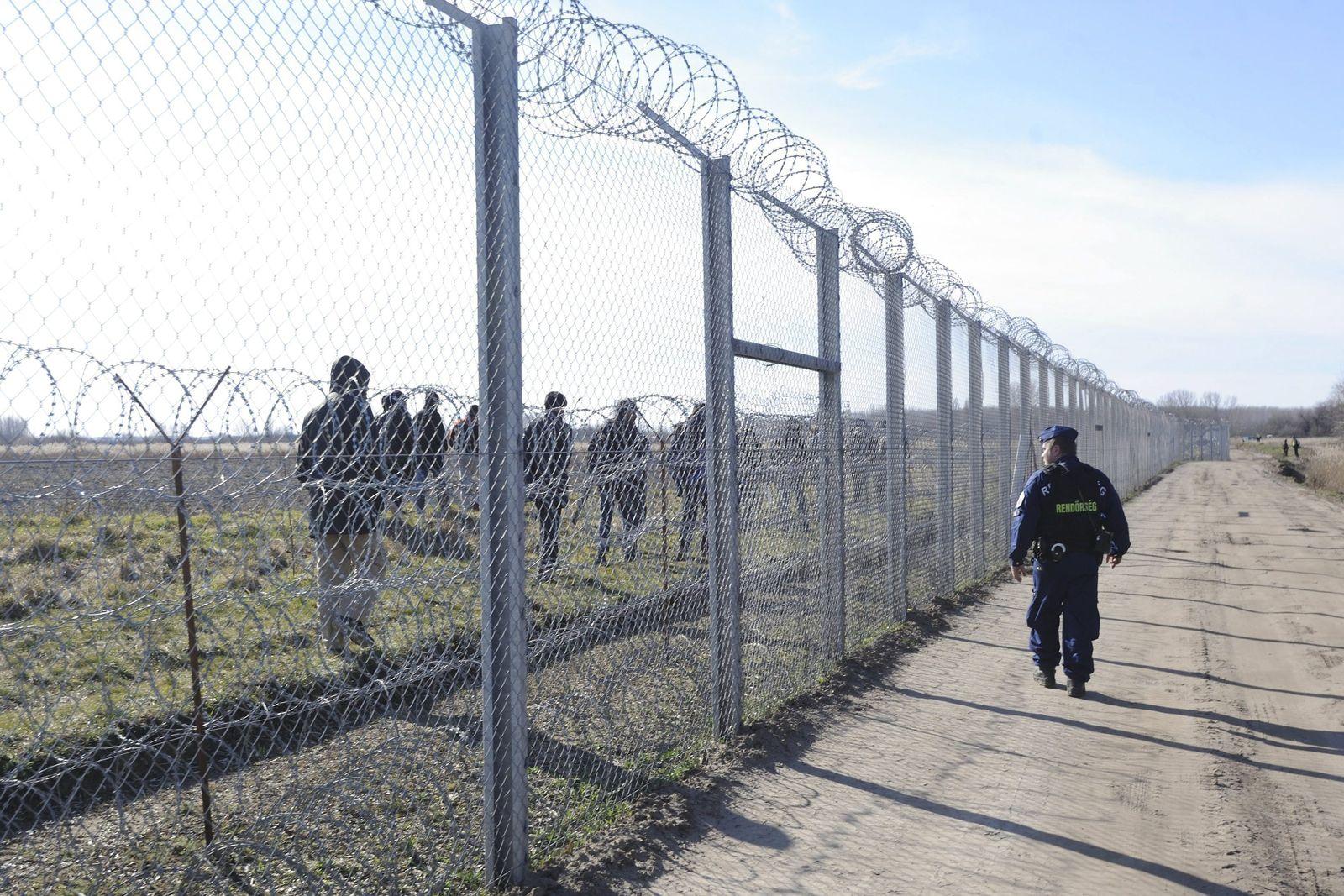 Ungarn / Grenze / Zaun