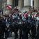 """Bundesregierung beklagt """"schändliche Bilder"""" bei Protesten in Berlin"""