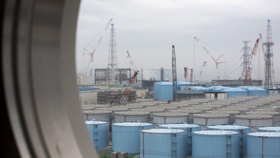 Blick aus der Atomkraftanlage Fukushima