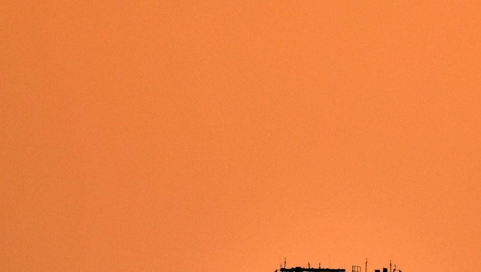 Neuer Tower des Hauptstadtflughafens BER: Wie die rasant ansteigenden Passagierzahlen bewältigen?