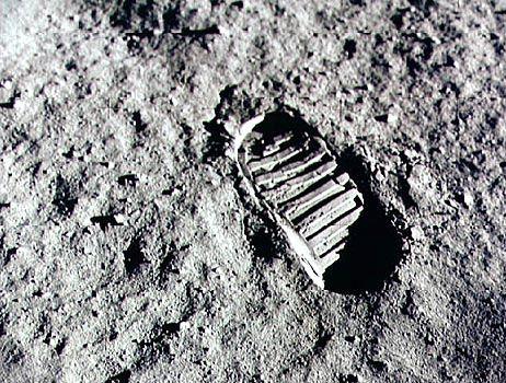 Fußabdruck auf dem Mond: Wie konnten die Astronauten die Strahlung überleben?