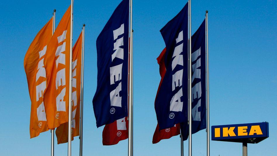 Ikea-Fahnen (im schwedischen Malmö): Anschläge auf mehrere Möbelhäuser