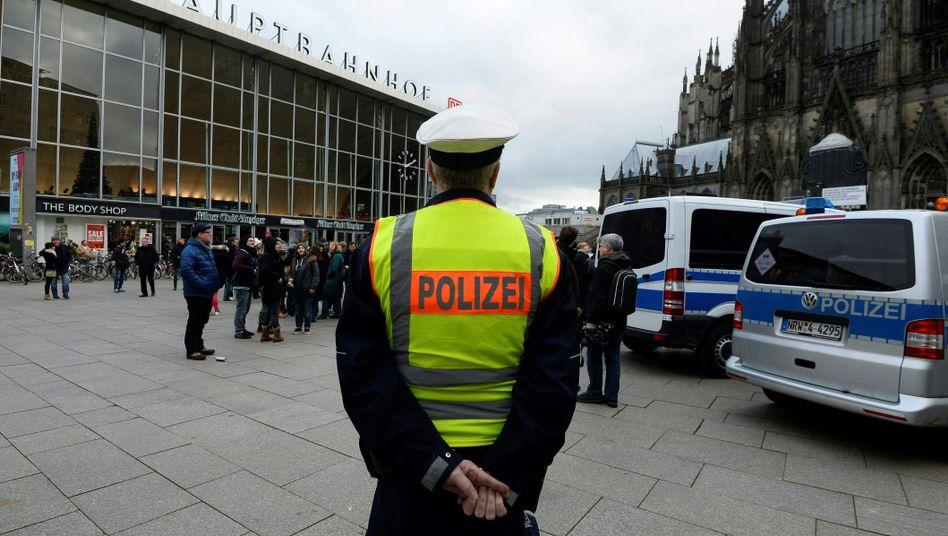 Bahnhofsvorplatz in Köln: Debatte um kriminelle Ausländer