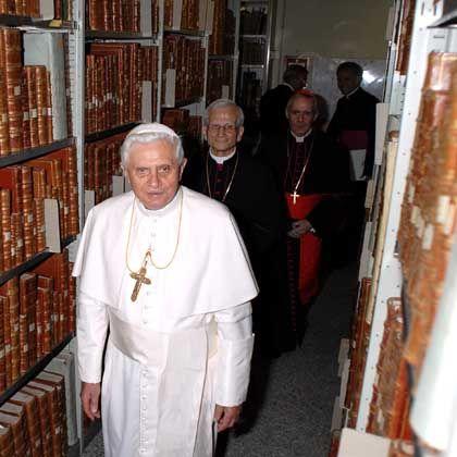 Benedikt XVI. in der Vatikanischen Bibliothek: Das Schweigen des Papstprofessors