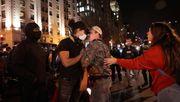 Szenen von Chaos, Gewalt und Hass
