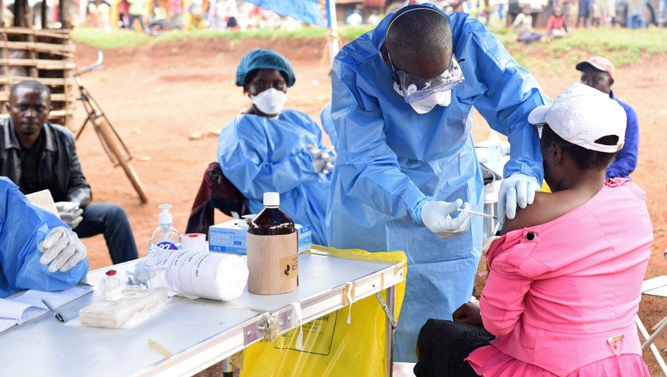 Ebola-Impfung in der Demokratischen Republik Kongo (Archivbild)