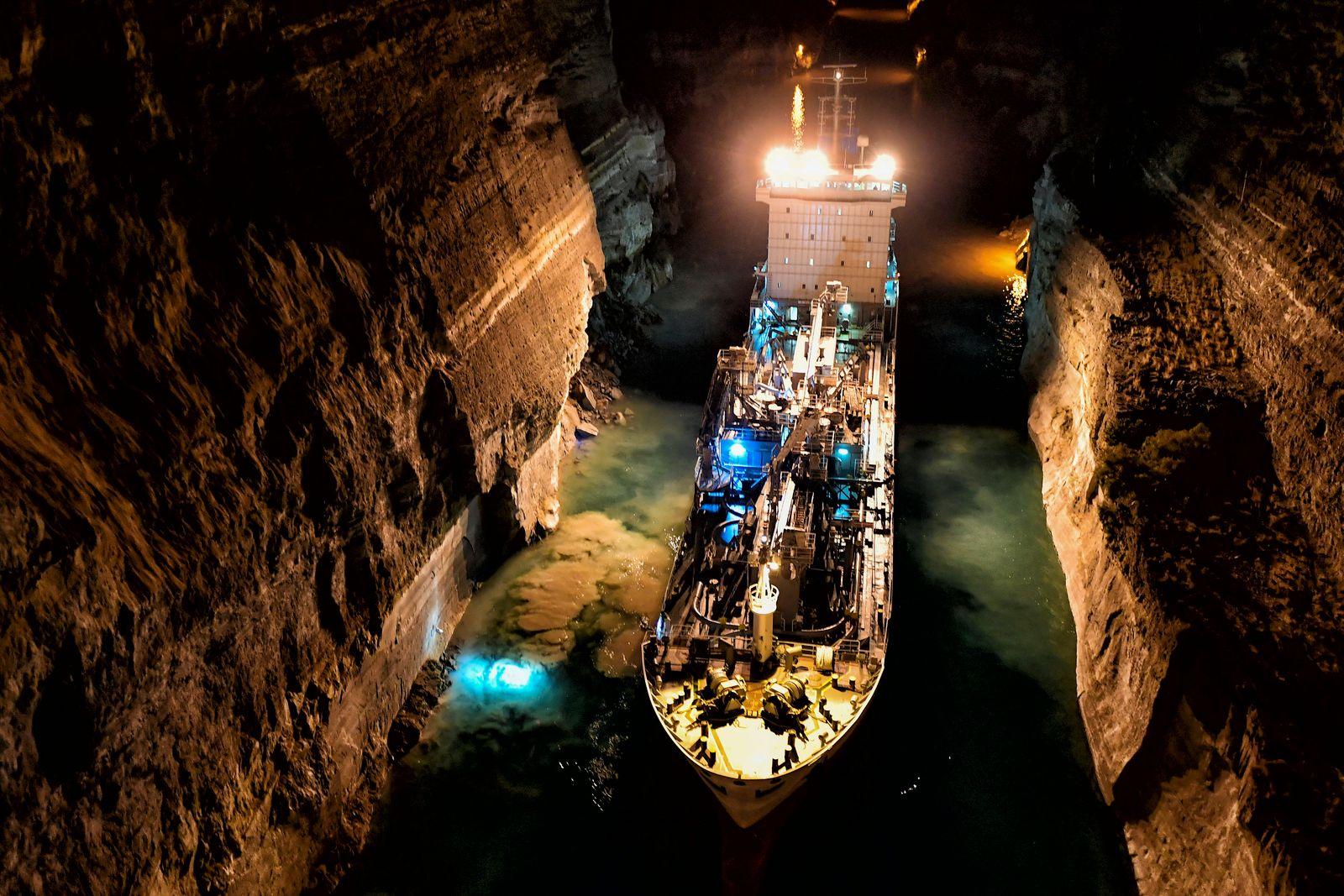 Kanal von Korinth nach Erdrutsch geschlossen