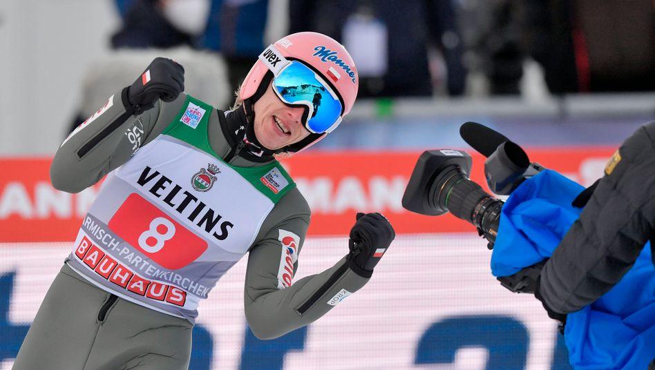Dawid Kubacki freut sich über Weitenrekord und Tagessieg