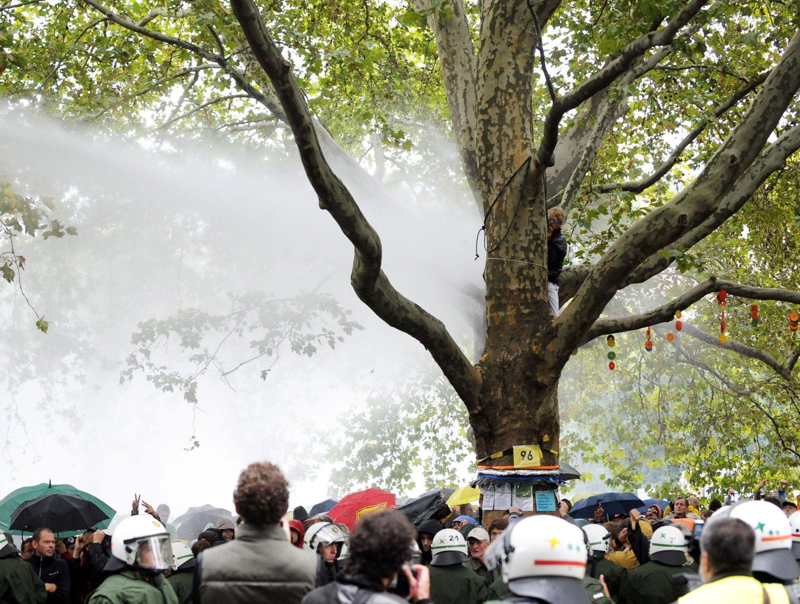Polizei räumt Schlosspark