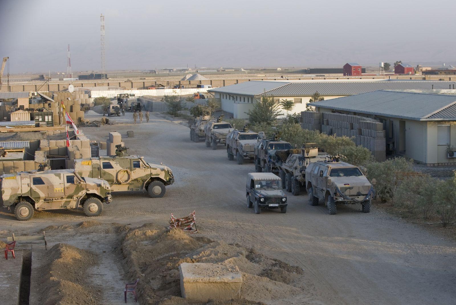 NICHT VERWENDEN Bundeswehr/ Ausrüstung/ Feldlager Kunduz