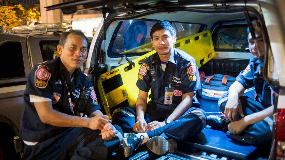 Freiwillige Sanitäter: Die Seelensammler von Bangkok