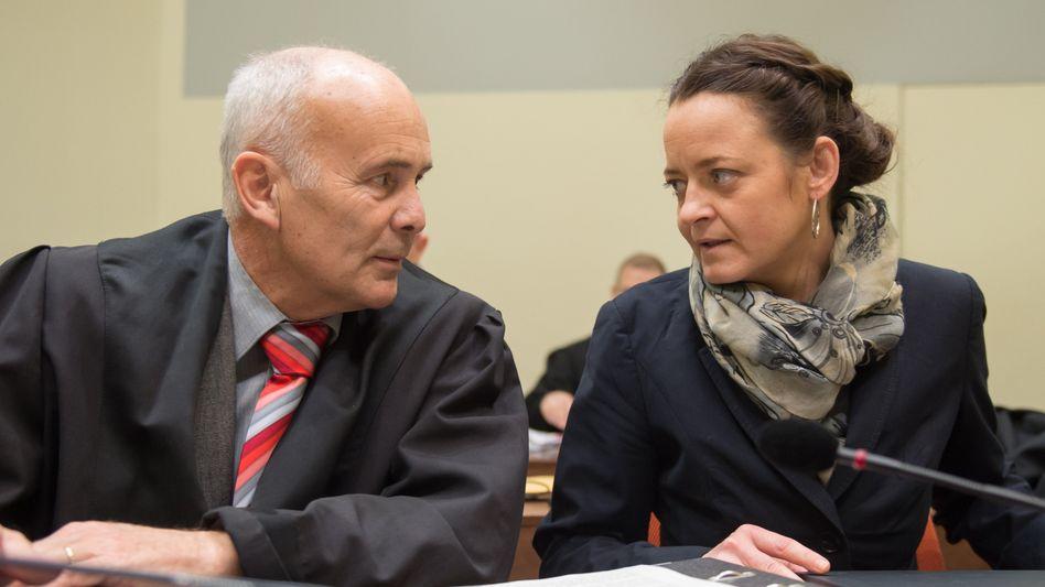 Verteidiger Hermann Borchert, Angeklagte Beate Zschäpe