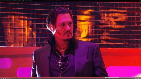 """Johnny Depp in der """"Graham Norton Show"""": Sieht dem Treiben eher entsetzt zu"""