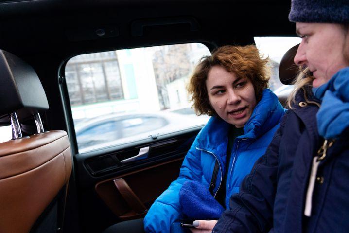 Kateryna mit SPIEGEL-ONLINE-Korrespondentin Christina Hebel