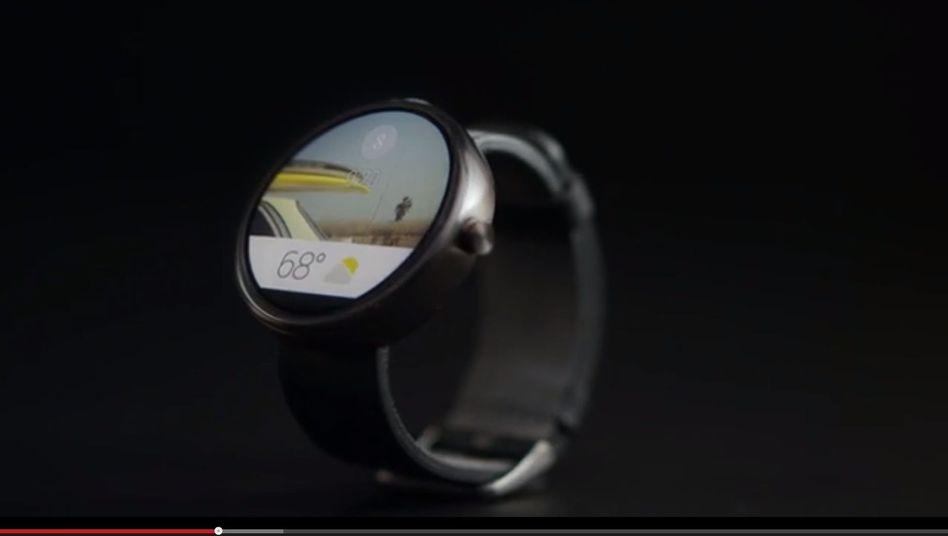 Google-Smartwatch (Computersimulation): Steuerung per Stimme und Wischgesten