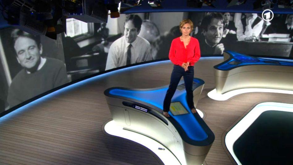 """Moderatorin Miosga auf dem """"Tagesthemen""""-Tisch (Video-Standbild): """"einer der größten Schauspieler"""""""