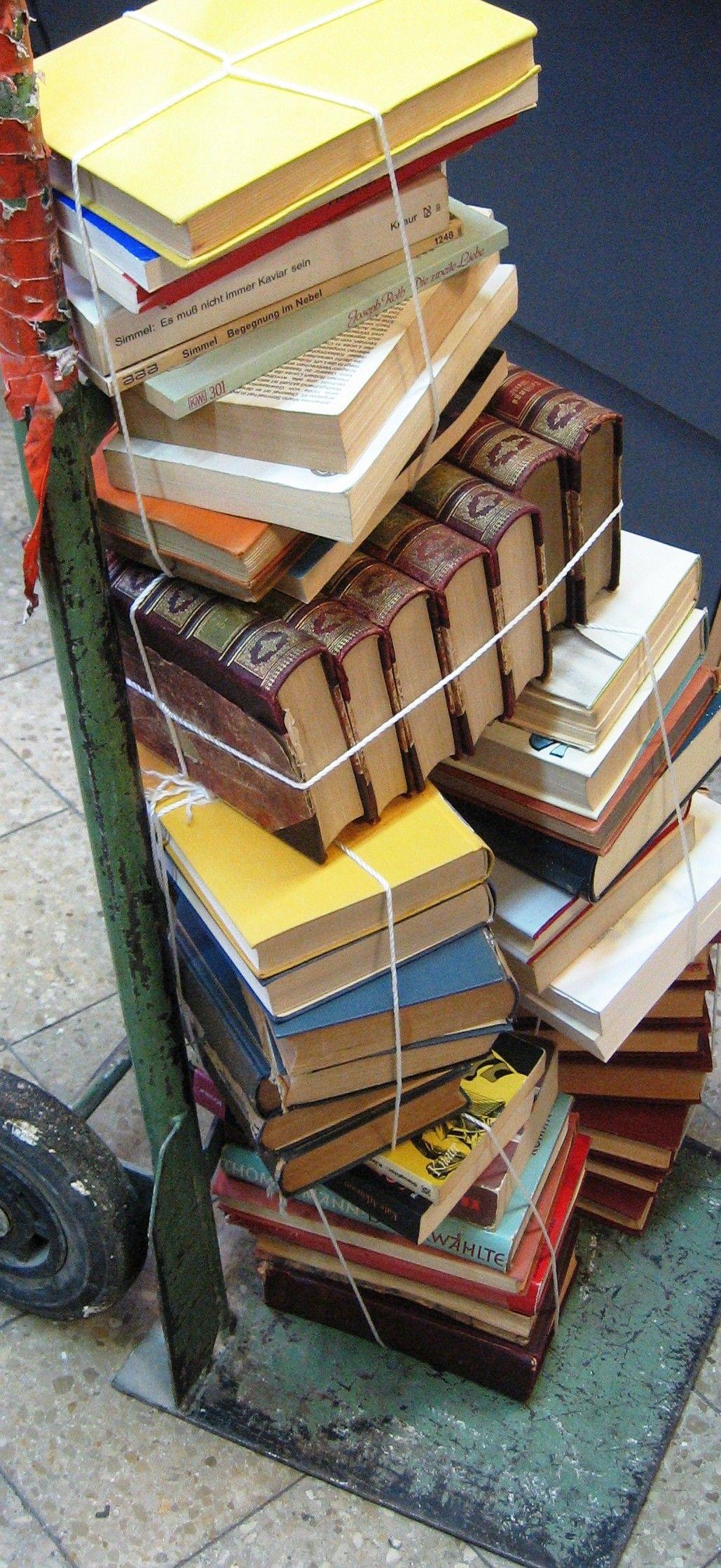 EINMALIGE VERWENDUNG Simmel-Bücher / Goethe-Institut