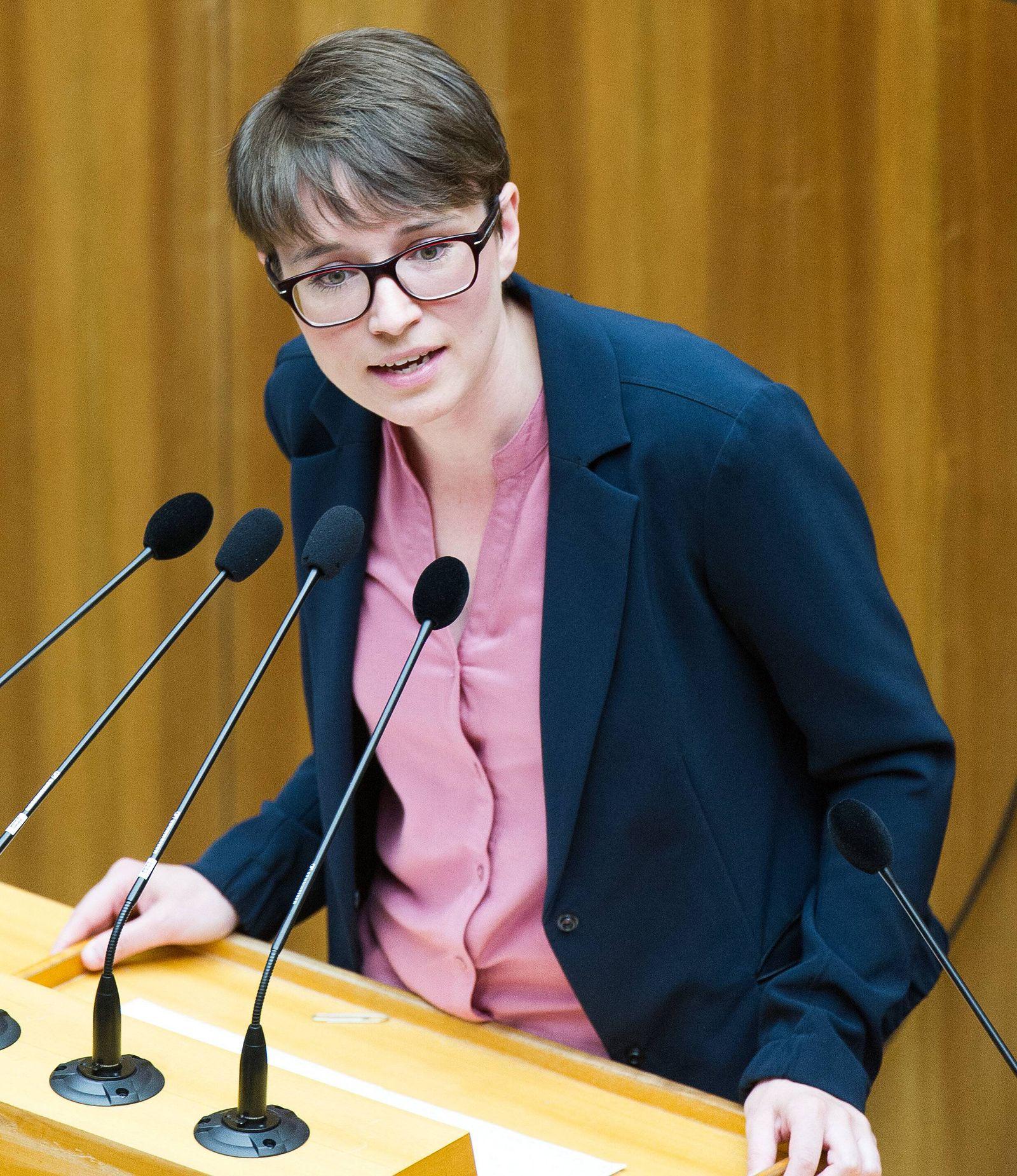 EINMALIGE VERWENDUNG Sigrid Maurer