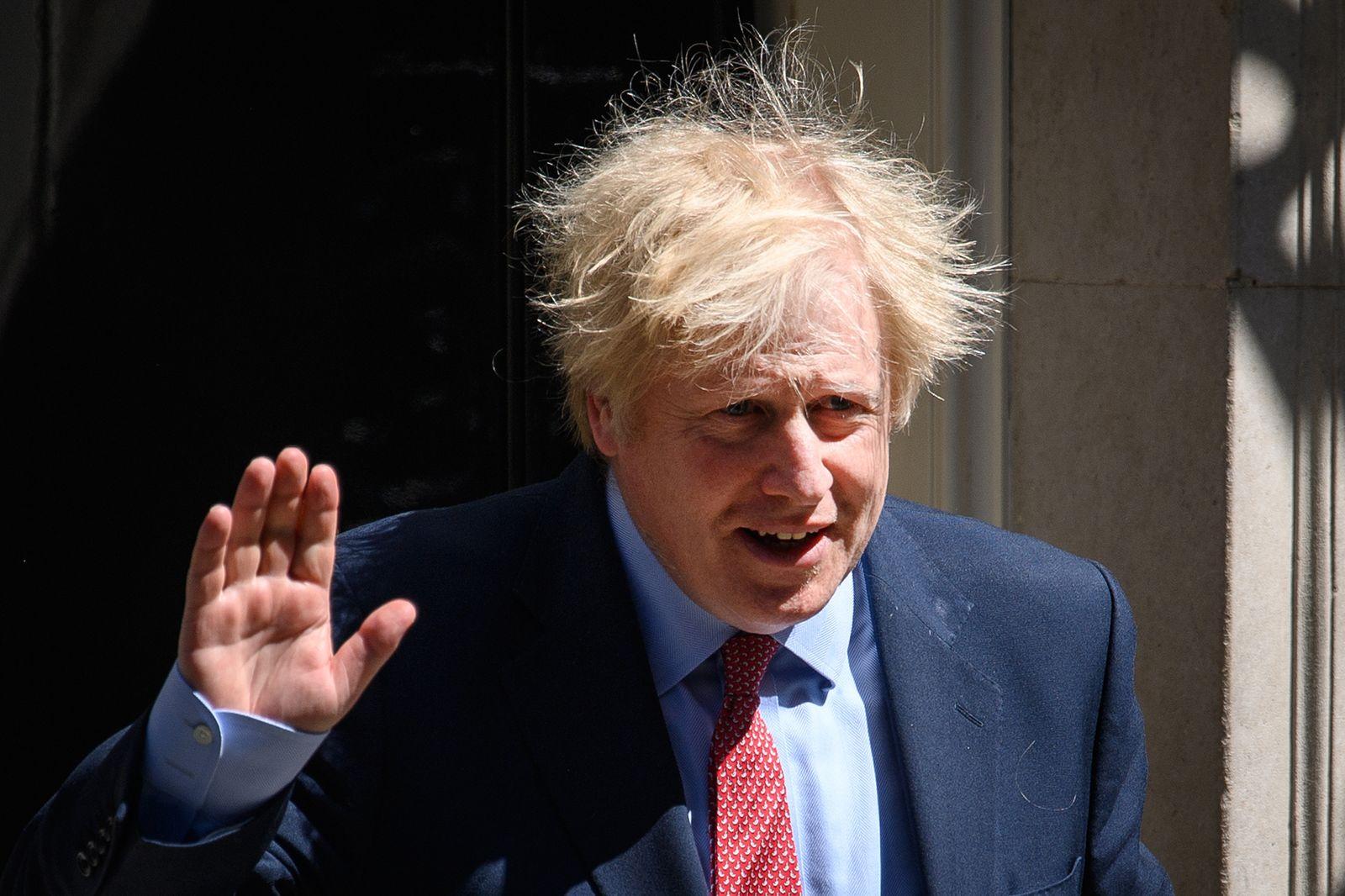 *** BESTPIX *** Britons Adjust To Eased Coronavirus Lockdown, Now In Ninth Week