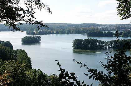 Haussee bei Feldberg: Der Reiz für Wassersportler liegt im landschaftlichen Wechselspiel der Gewässer