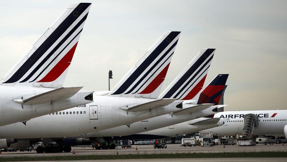 Air-France-Maschine am Pariser Flughafen Charles de Gaulle: Ebenfalls vom Lockdown betroffen