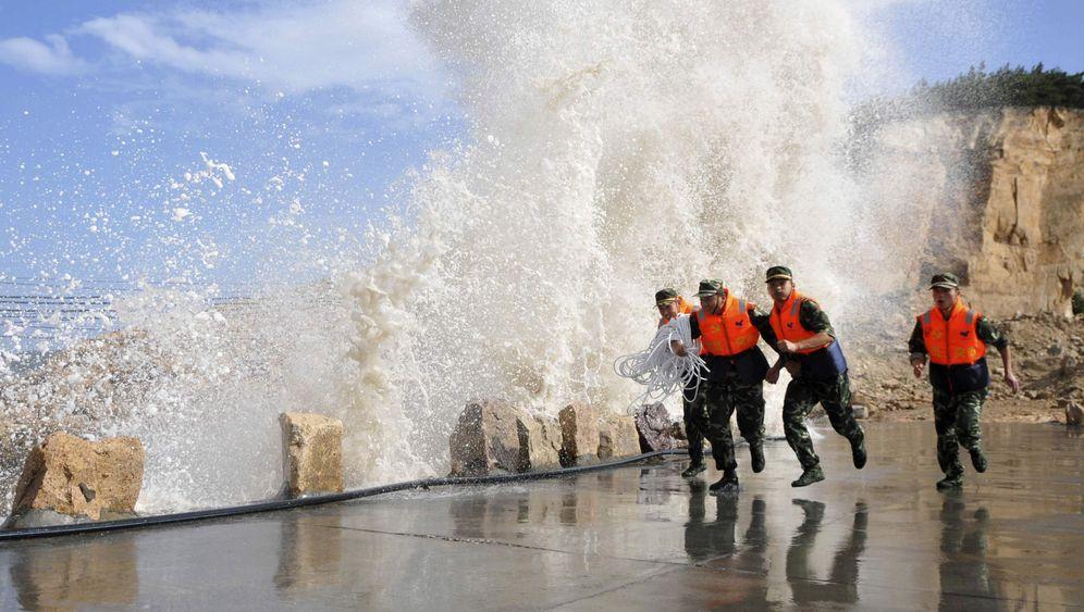 """Taifun-Warnung: """"Muifa"""" bedroht Chinas Ostküste"""
