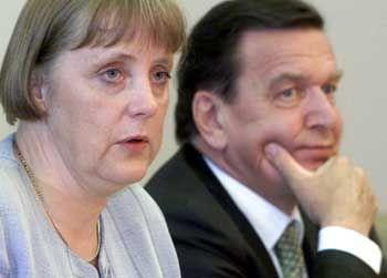"""CDU-Chefin Merkel, Kanzler Schröder: """"Das ist mit mir nicht zu machen"""""""