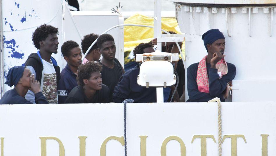 "Flüchtlinge auf ""Diciotti"""