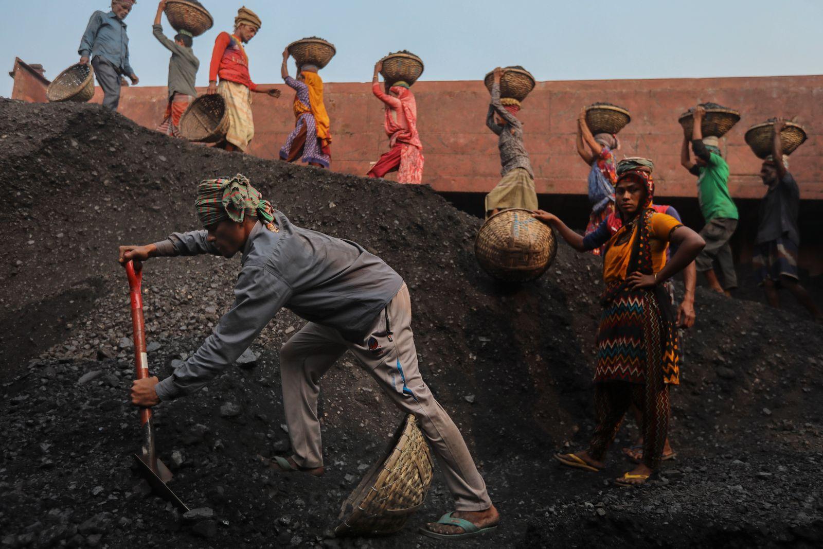 Coal Labourers In Bangladesh
