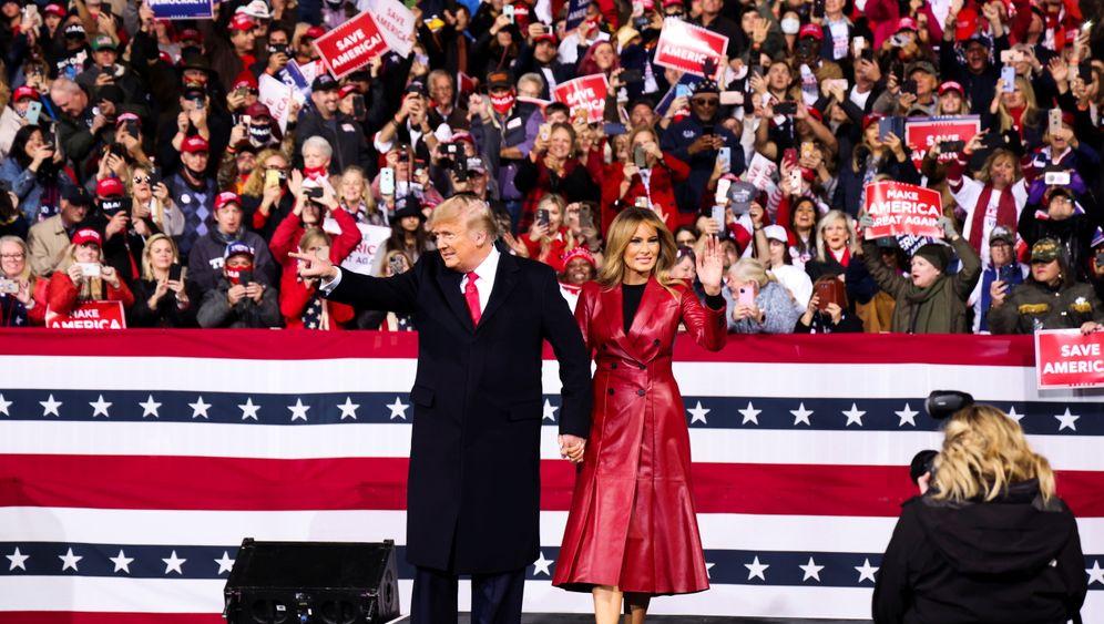 Ehepaar Trump im Wahlkampf:Enorm viel steht auf dem Spiel