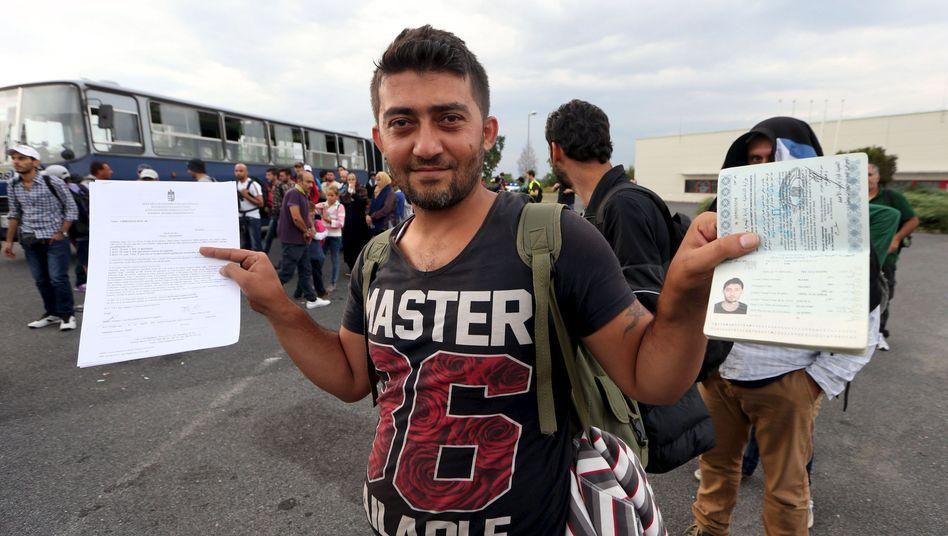 """Flüchtling mit syrischen Papieren: """"Schwarzmarkt für Pässe"""""""