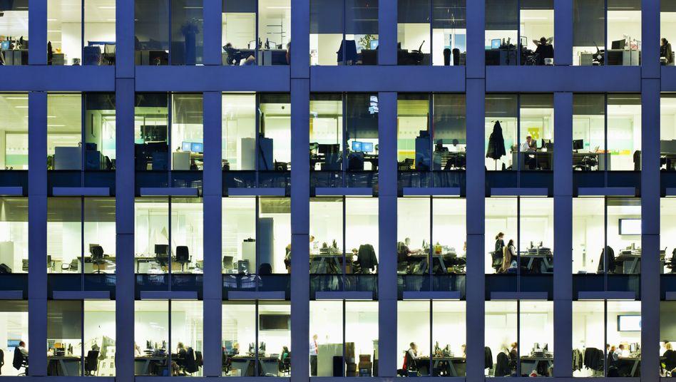 """Büros am Abend: """"Wichtig ist am Ende, dass das Land wettbewerbsfähig ist"""""""