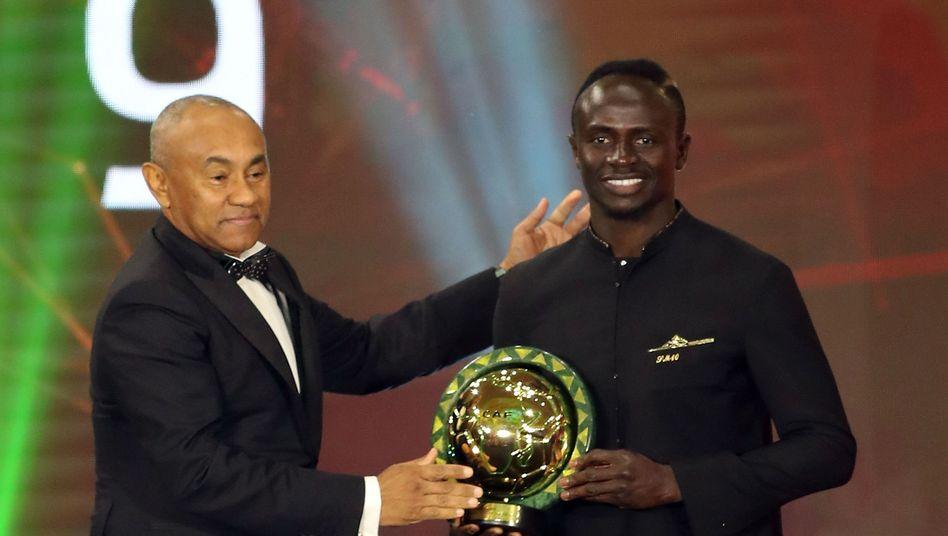 """Sadio Mané (r.): """"Um ehrlich zu sein, würde ich lieber Fußball spielen, als vor so vielen Leuten zu sprechen"""""""