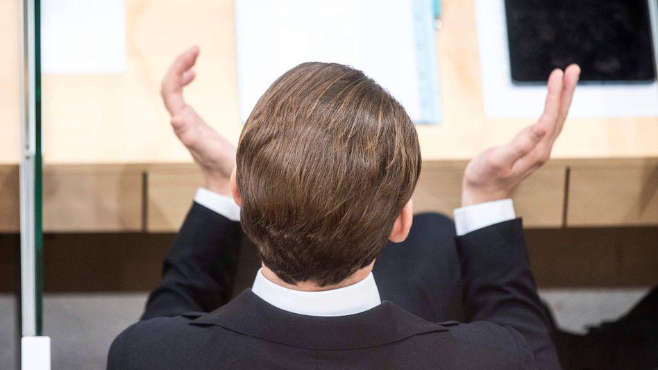 Sebastian Kurz bei seinem ersten Auftritt als Ex-Kanzler in Wien: bei seinen Auftritten im Parlament stets sein latentes Desinteresse gezeigt, seine Gegner sprechen sogar von Verachtung