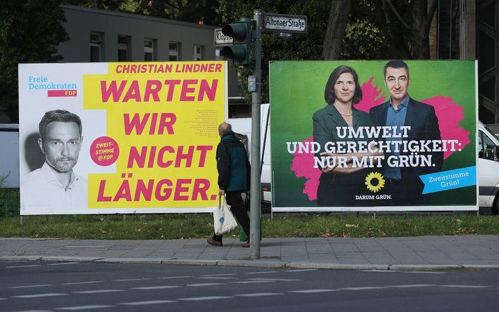 Wahlplakate von FDP und Grünen (in Berlin)
