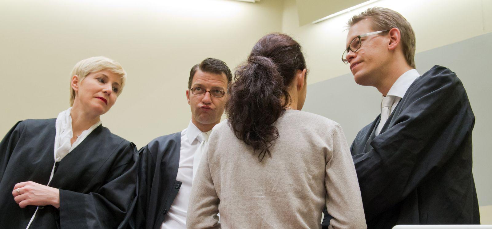 Zschäpe/ Anwälte