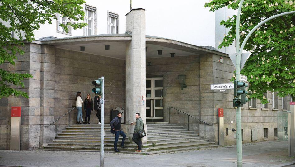 Die Berliner Hochschule für Wirtschaft und Recht, Campus Schöneberg: Hier wurden Studierende von einer Professorin aufgefordert, ihren Studiengang besonders gut zu bewerten