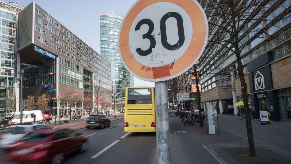 Könnte bald in deutschen Städten grundsätzlich gelten: Tempo 30 auf allen Straßen