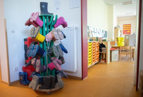 Gummistiefel in einem Kindergarten in der Region Hannover