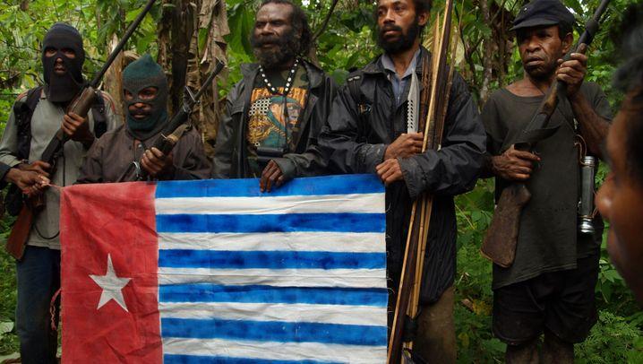 West-Papua: Bürgerkrieg mit Blasrohren