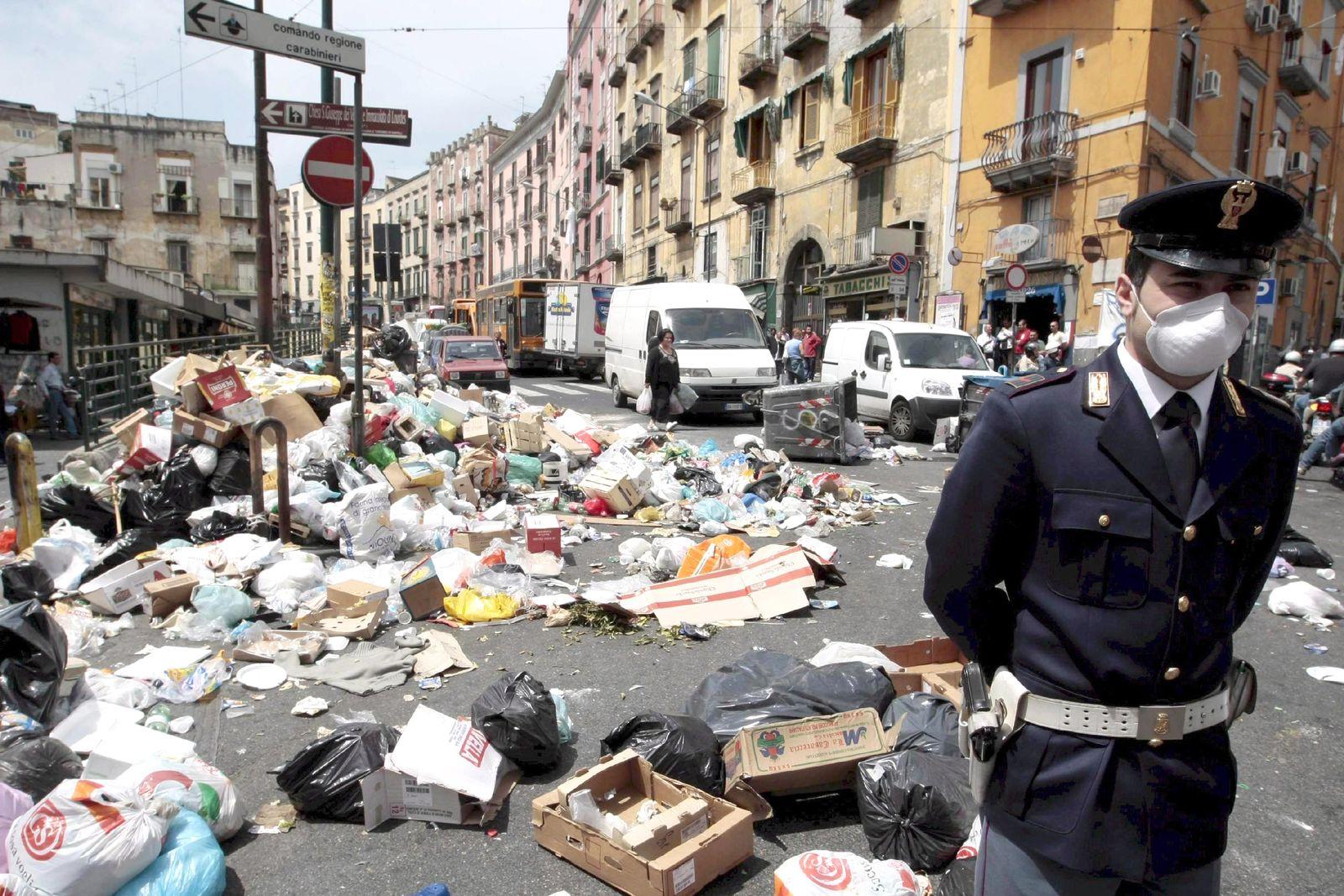 Müllchaos in Neapel 2008