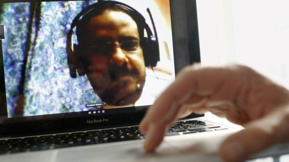 Regierungsgegner Chandschar bei Online-Konversation: Verhaftet, gefoltert, untergetaucht