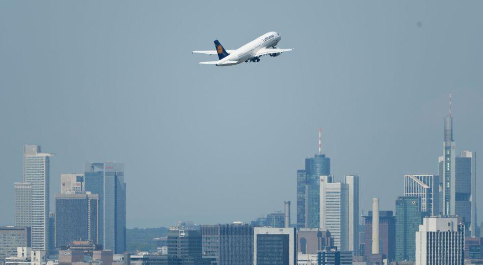 Lufthansa-Maschine (Symbolbild): Keine Verbindungen mehr nach Tel Aviv