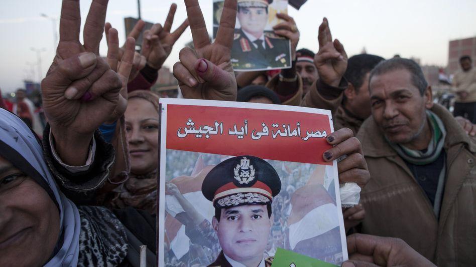 Abstimmung über neue Verfassung: Ägyptens Regierung verkündet Sieg bei Referendum