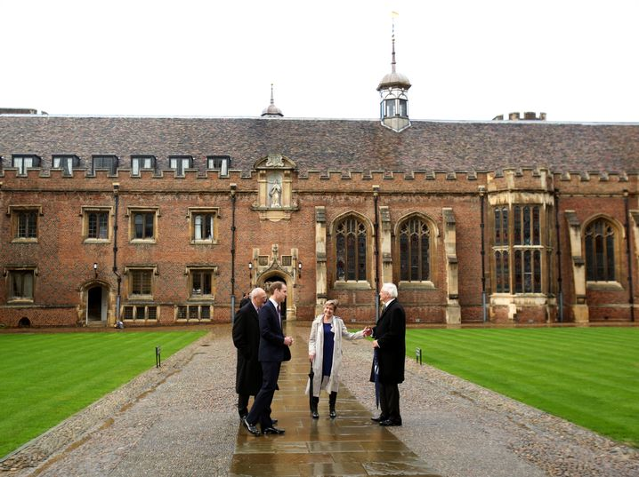 Auch Prinz William (2.v.l.) hat am St. John's College studiert